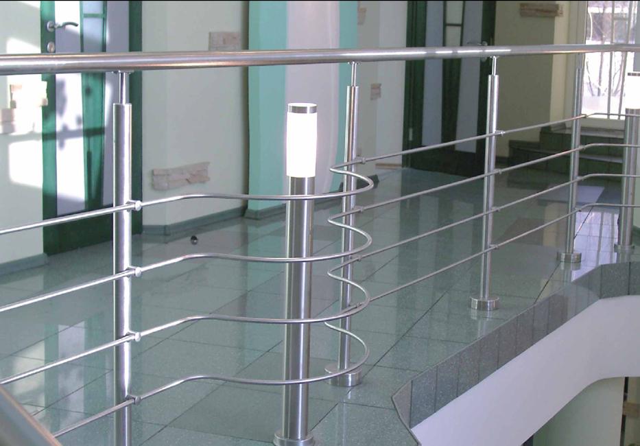 Forjas 2000 forja y acero inoxidable en talavera de la for Barandas para terrazas modernas