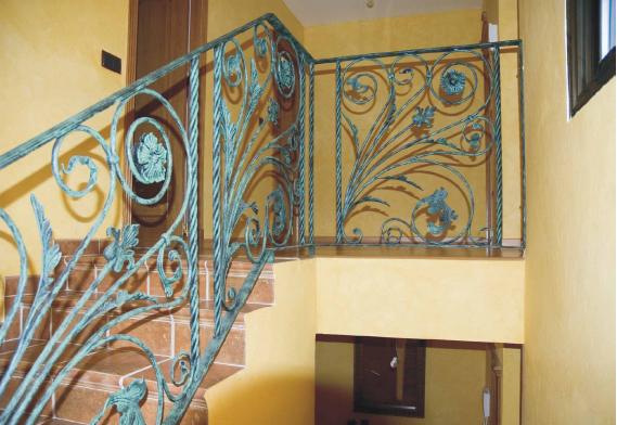 Forjas 2000 forja y acero inoxidable en talavera de la - Escaleras de forja interiores ...